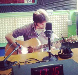 a Radio Flash