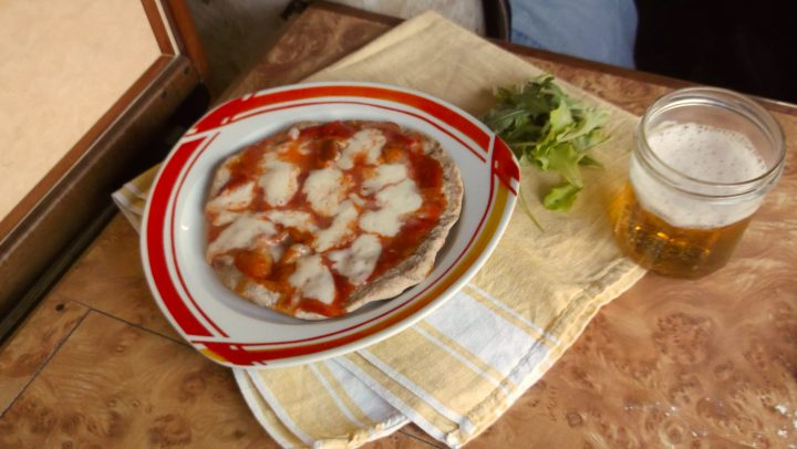 2017.05.15 Cucinare in camper pizza pizza al padellinosenza forno senza bilancia