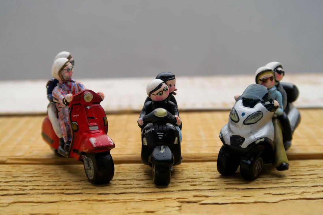 miniature moto scooter vespa piaggio collezione labottegadimarika (25)
