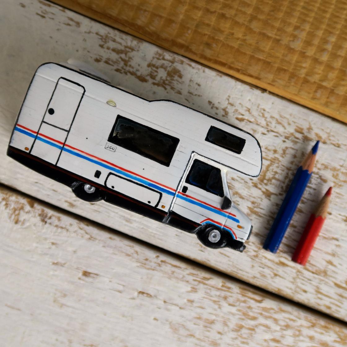 modellino camper miniatura
